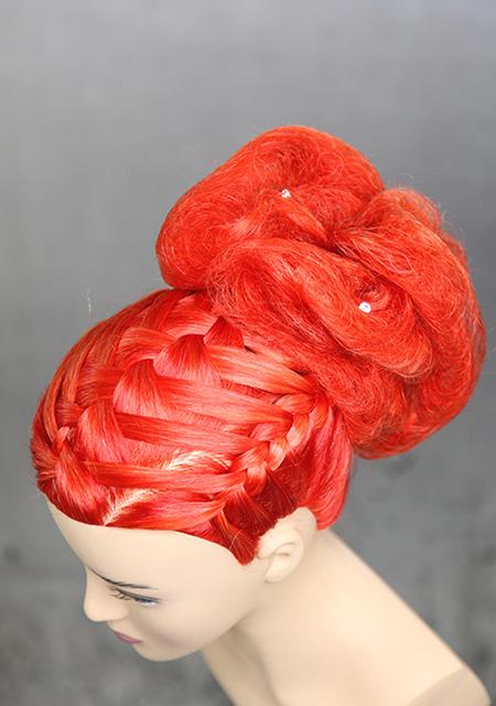 Frisierkopf Trainingskopf Echthaar rot gefärbt mit Hochsteckfrisur